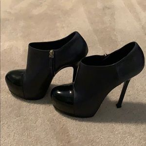 Saint Laurent Booties Navy blue with Patent